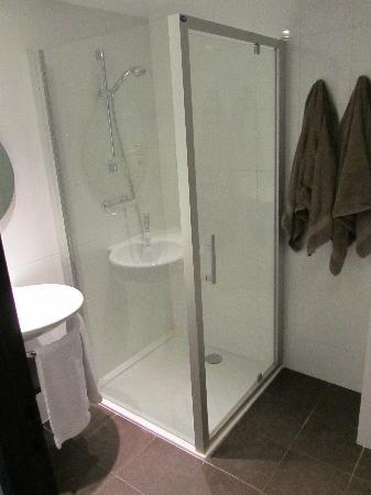 Hotel Eden Park : salle de bain