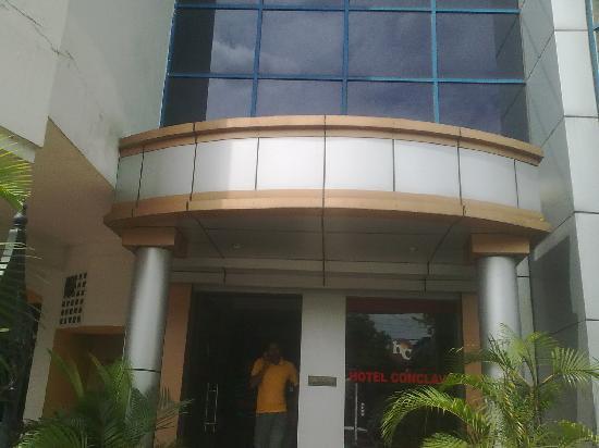 HOTEL CONCLAVE - Prices & Reviews (Siliguri, India ...