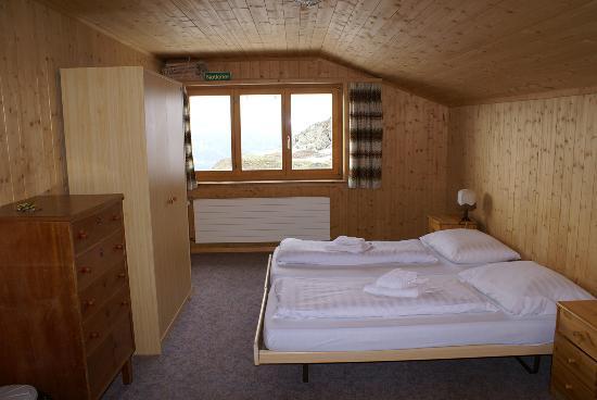 Berggasthaus Gotschnagrat: einfache aber sauber Zimmer