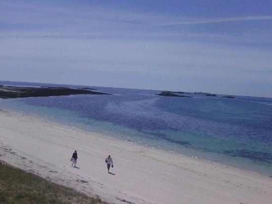 Glenan Islands : Weißer Sandstrand und azurblaues Meer auf Saint-Nicolas