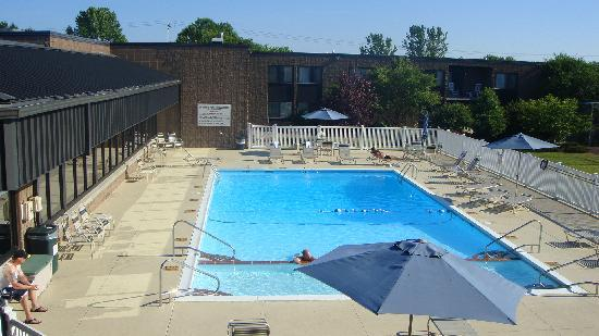 Holiday Inn Waterloo-Seneca Falls: Hotelpool