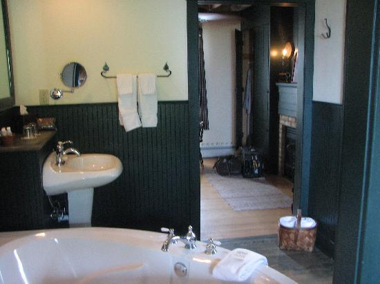 Blacksmith Inn On the Shore: Bathroom room 2