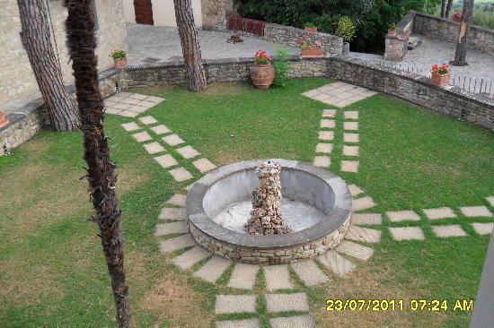 Citta di Castello, Italy: Borgo di Celle - esterno