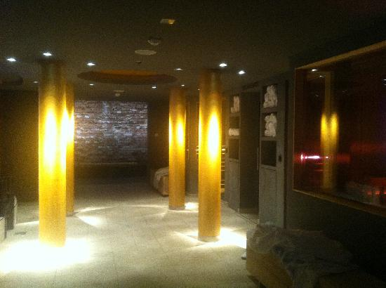 Steigenberger Grandhotel Handelshof: inside spa