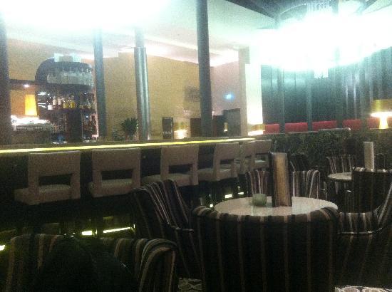 Steigenberger Grandhotel Handelshof: lobby restaurant/bar