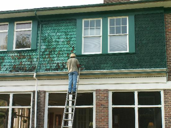 Killahevlin: Painting the outside of the house