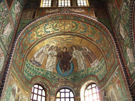 Basilica San Vitale: 後陣のドームモザイク