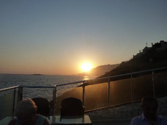 Manzara Restaurant: Beautiful sunset from terrace