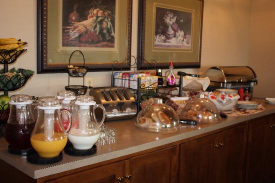 Red Maple Inn Bed & Breakfast: And this is just part of the breakfast offered