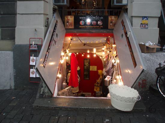 Hotel Marthahaus: negozio interrato nel centro storico