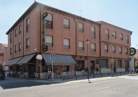 Hostal-Cafeteria Puerta la Villa
