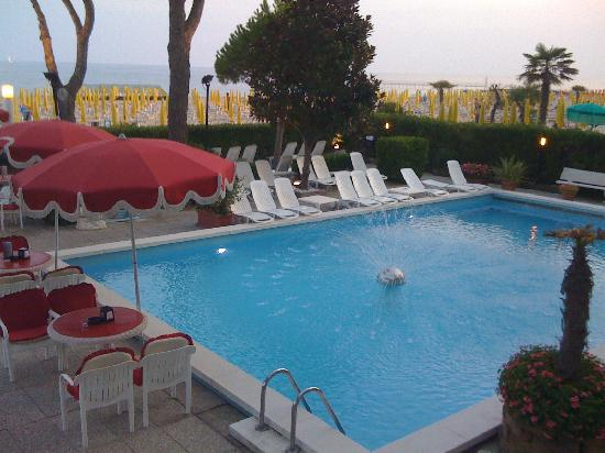 Termini Beach Hotel & Suites: swimming pool