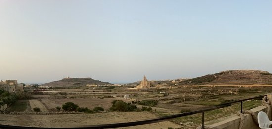 Rangers Bar & Restaurant : Panoramic view of Ta Pinu & Lighthouse from Rangers' rooftop terrace.