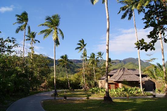Constance Ephelia : L'hôtel est au pied du parc du morne seychellois