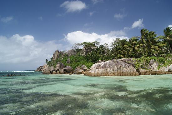 Constance Ephelia: L'islet se trouve sur la plage sud