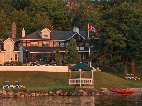 Photo of Sir Sam's Inn & Waterspa Eagle Lake