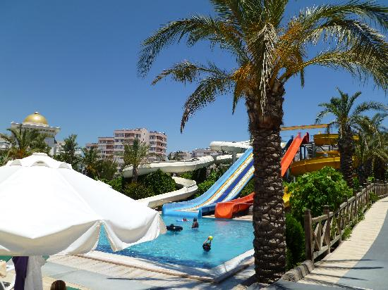 Royal Wings Hotel: waterslides