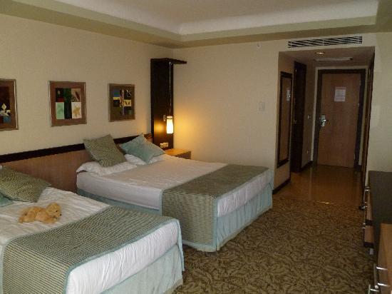 Royal Wings Hotel: deluxe standard room