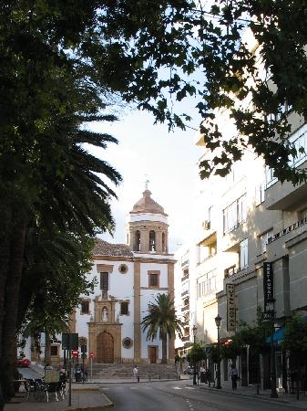 Royal Hotel Ronda: Royal Hotel located on right side of street across from park and 1 block from church