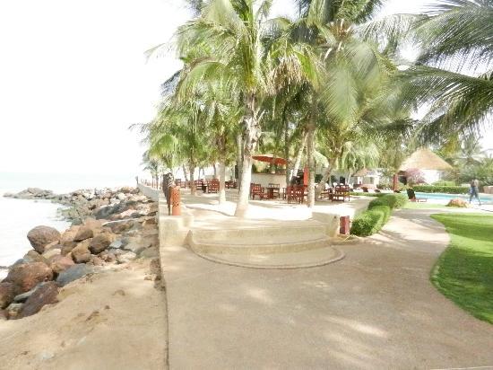 La Teranga Hotel & Villas: jonction hotel/plage