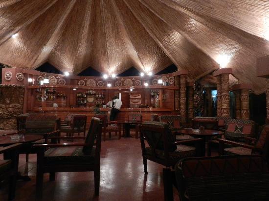 La Teranga Hotel & Villas: le bar... pour l'apéro avant le repas!