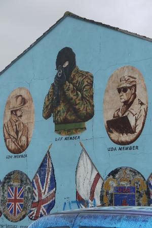 Shankill Road: Up close on taxi tour