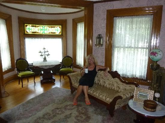Cornerstone Victorian Bed & Breakfast : and more antiques
