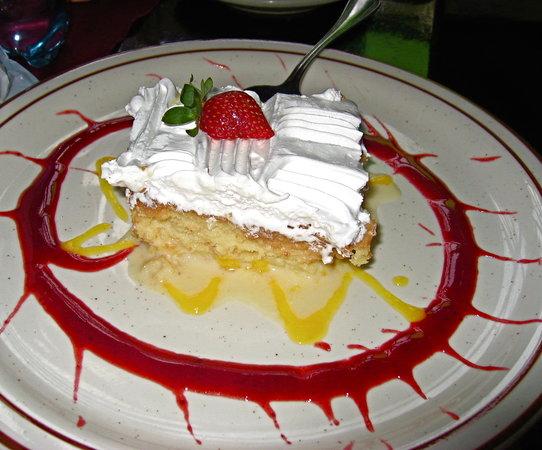 Hacienda Real : The Tres Leches dessert
