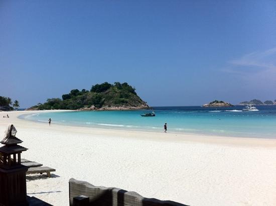 Ayumayang Redang Island Resort : redang beach Aug 2011