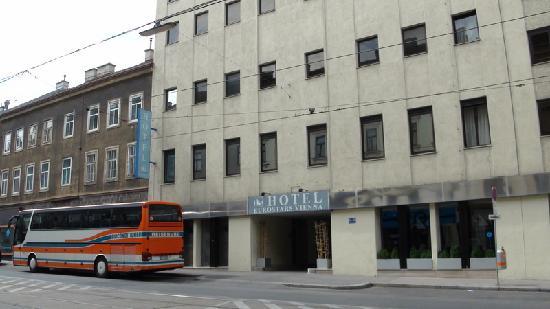 Hotel Exe Vienna: 飯店大門
