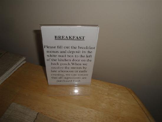 M & M Bed and Breakfast Suites: Order your breakfast