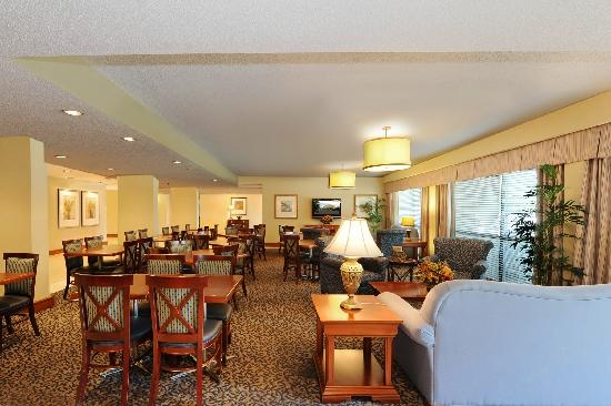 Hampton Inn Atlanta Southlake: Morrow Hotel Lobby