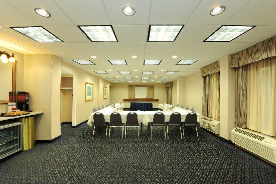 Hampton Inn Atlanta Southlake: Meeting and Conference Room