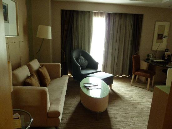โรงแรม โซฟิเทล ออน เหรินหมิง สแควร์ ซีอาน: Entrance to room
