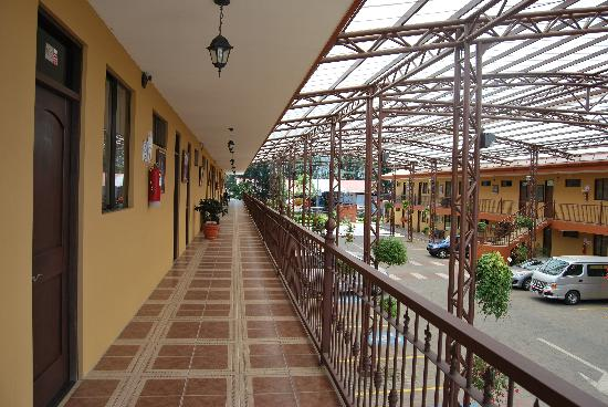 Cartago, Kostaryka: Parqueo