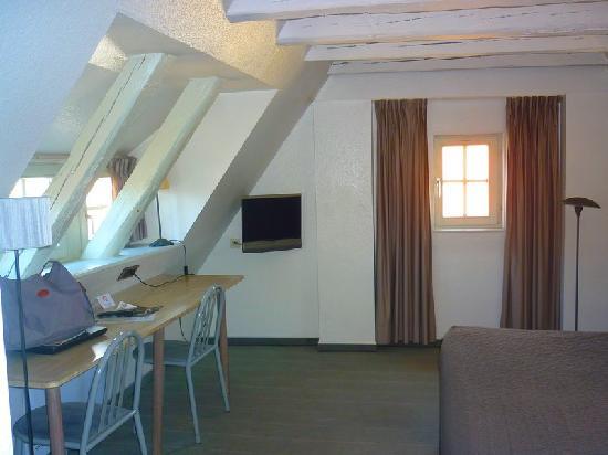 Hotel du Dragon : chambre spacieuse