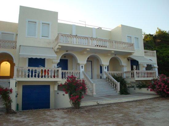 Pantelis Apartments
