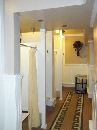 Wawona shared shower bathrooms picture of big trees for Y hotel shared bathroom