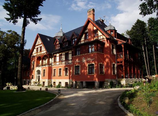 Palac Margot : Pałac Margot
