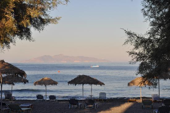 Hotel Kymata: Strand von Kamari am Abend