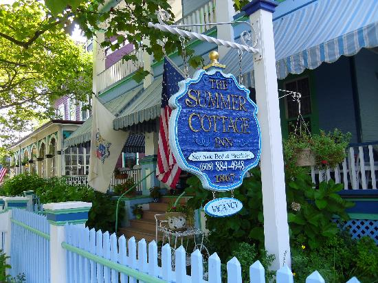 The Harrison: Summer Cottage Inn