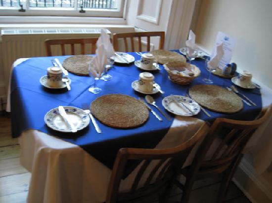 Dene Guest House: Breakfast table #2 by the window seats 4