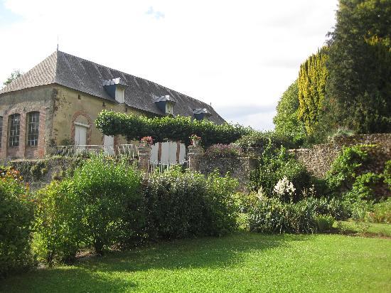 Chateau de la Barre : Garden view