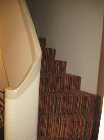 Les Aravis : steps to upper rooms
