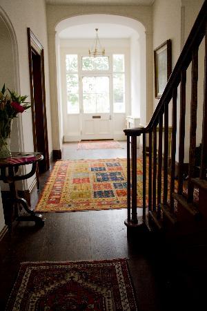Syon House Hotel: Elegant Entrance hall