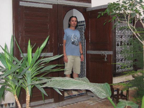 Riad Felloussia: Entrance to loft suite