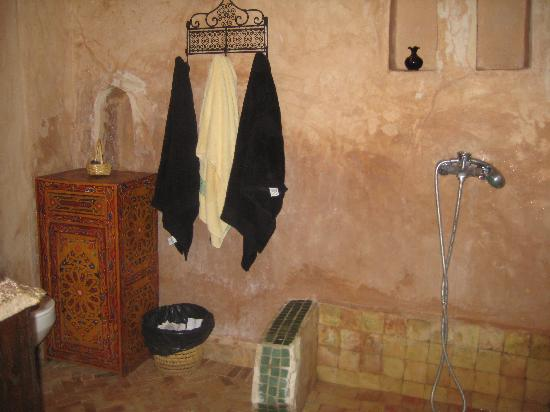 Riad Felloussia: Loft small bathroom