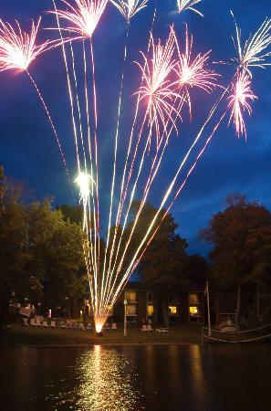 Shamrock Lodge: Friday Night Fireworks