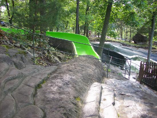 Vernon, NJ: Green Slide