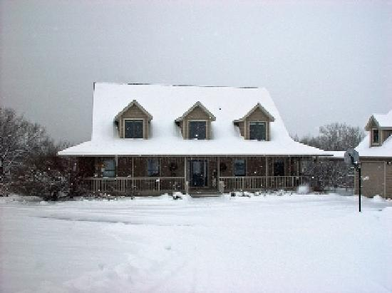 The Lodge at Cedar Ridge: The Lodge is beautiful year round